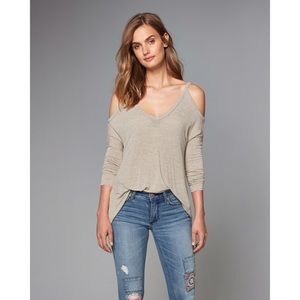 Abercrombie And Fitch Cold Shoulder Ribbed Top